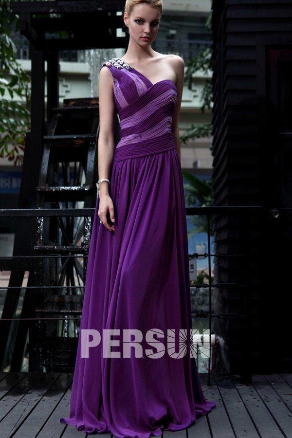 bd787703b5c Robe de bal moulante à seule épaule en Mousseline violette ornée de strass