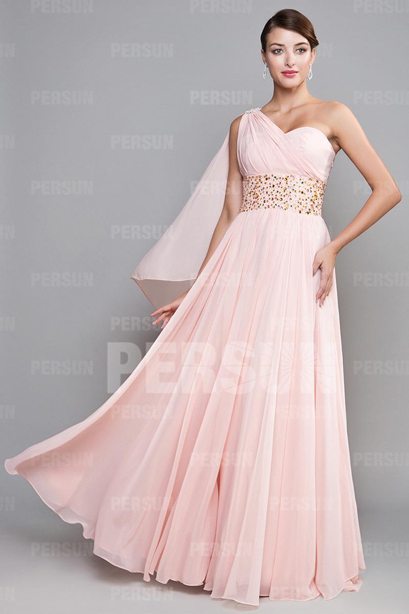 047599ea853 Robe de bal en mousseline rose Ligne A bustier asymétrique ornée de strass