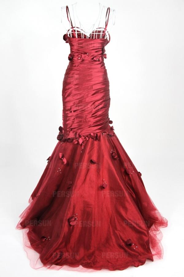 Robe gala rose plissée ornée de strass et fleurs