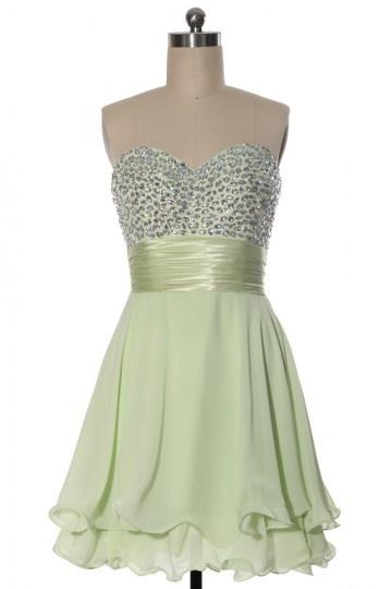 Robe de bal courte en tencel verte claire à bustier scintillant