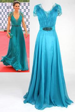 Robe de célébrité Princesse Kate en Mousseline bleue Col V ornée de strass