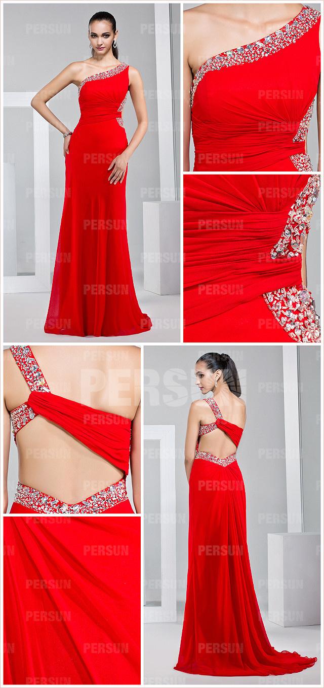 Robe rouge de bal asymétrique moulante ornée de strass en Mousseline