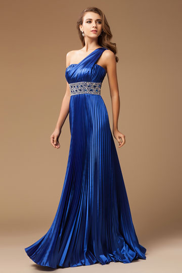 Robe de bal plissée asymétrique en satin bleu royal ornée de strass