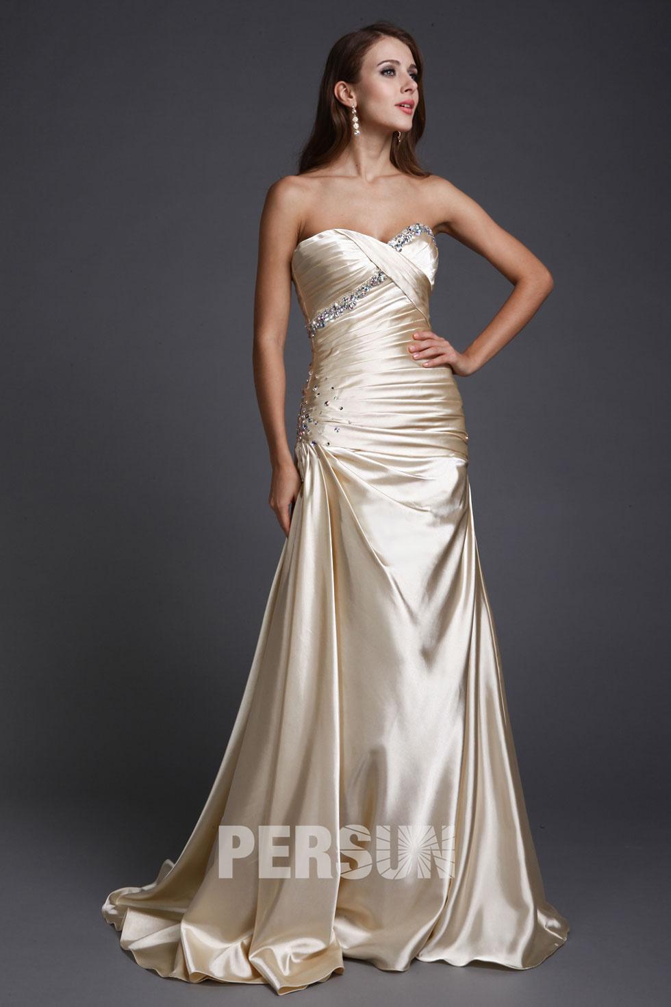 robe beige pour fiançailles en satin éclat