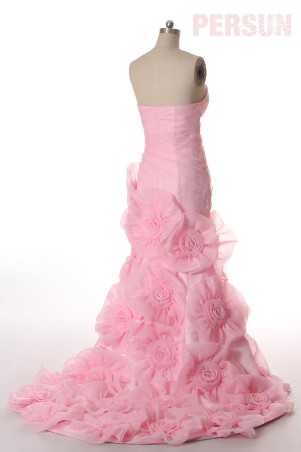 Robe soirée bustier rose ornée de fleurs fait-main avec fente