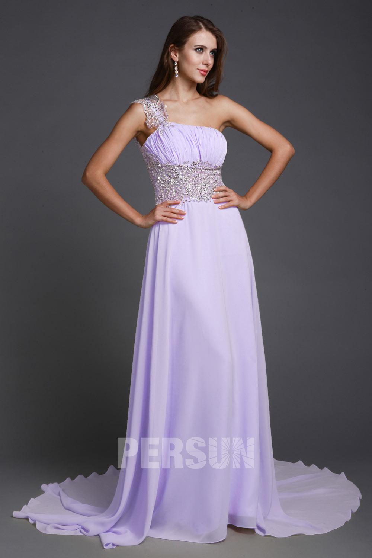 robe de soirée longue lilas asymétrique empire ornée de bijoux exquis