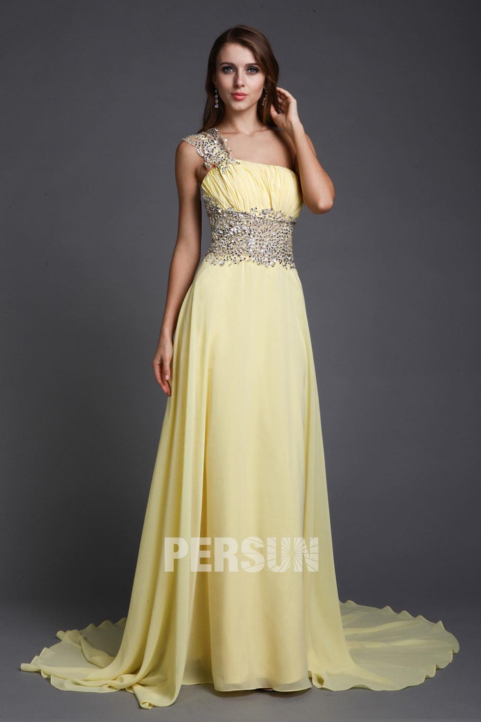 robe de soirée longue jaune asymétrique embelli de strass