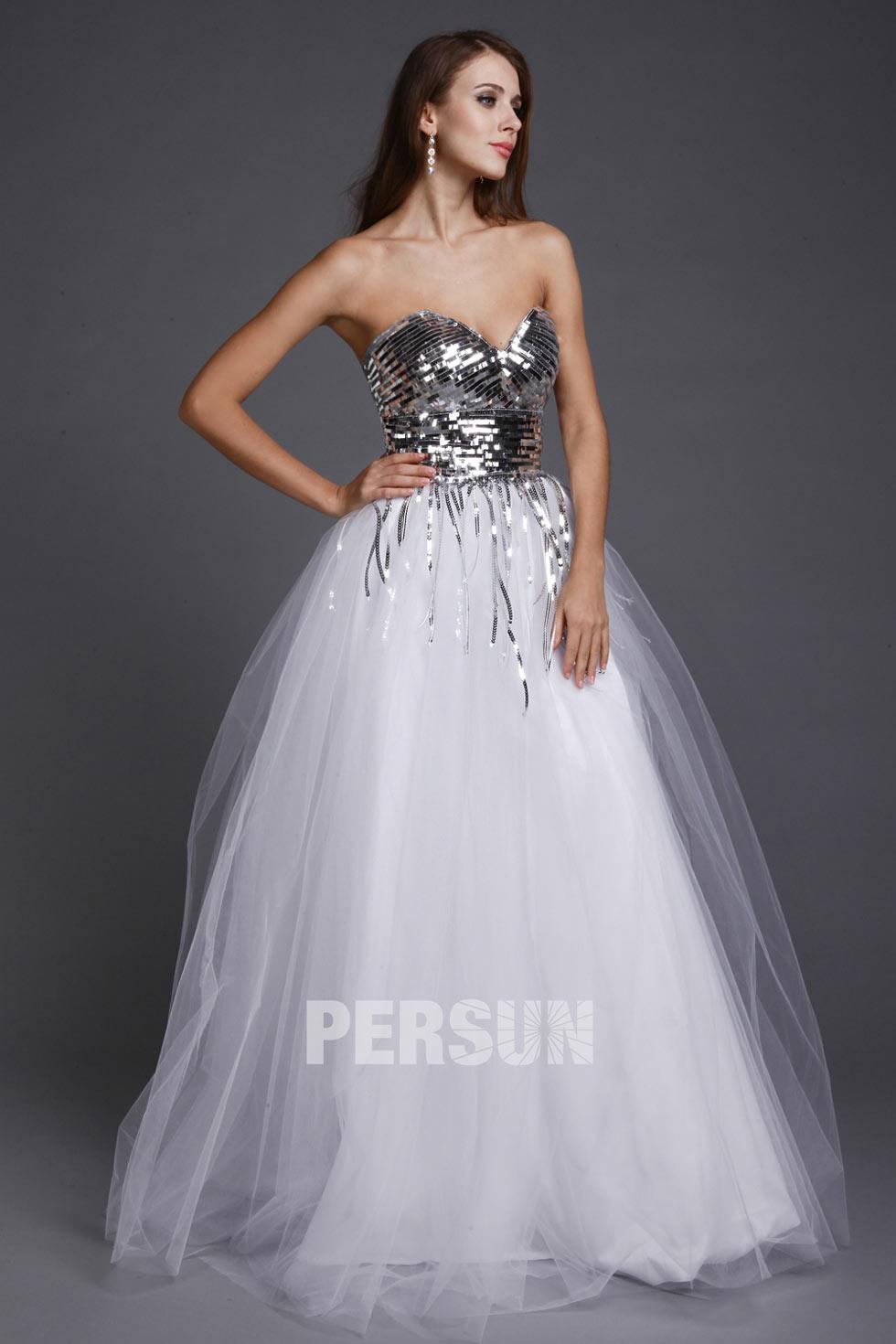 robe bustier coeur avec jupe bouffante en tulle