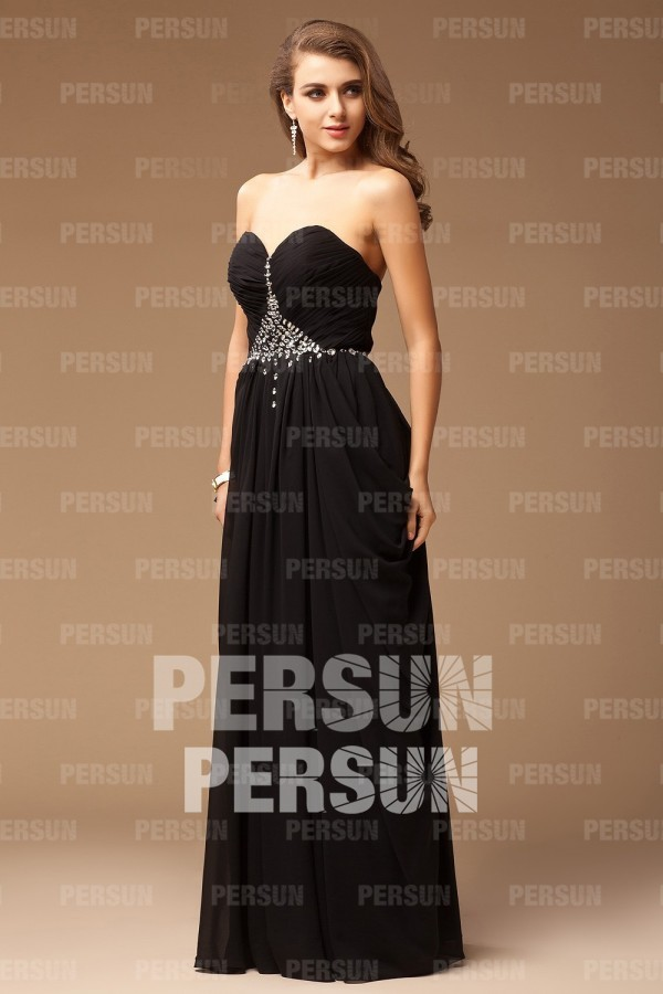 robe noire à bustier coeur rétro taille ornée de bijoux