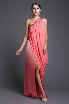 Robe de soirée rose épaule asymétrique avec fente latérale drapé