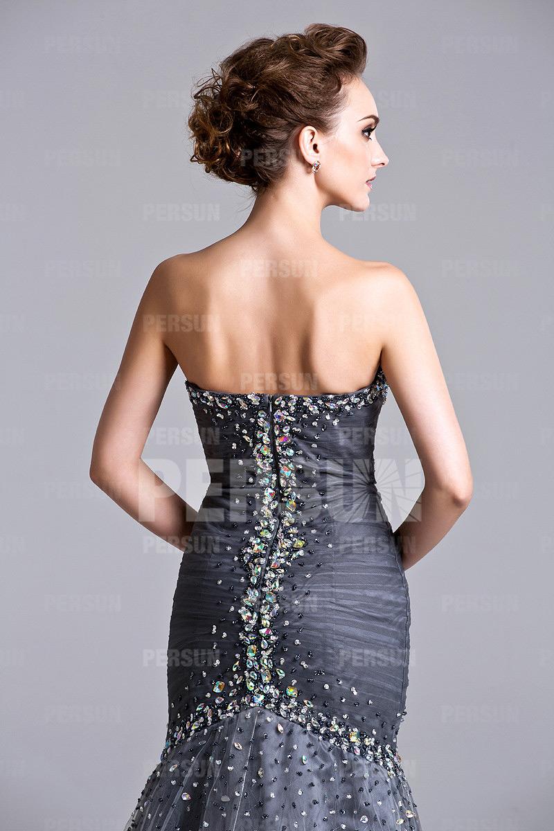 Robe sirène grise pour concours de beauté bustier coeur orné de strass