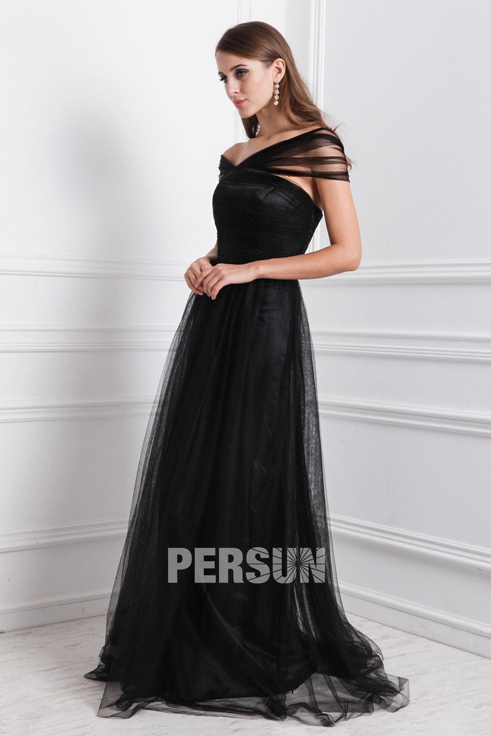 noire robe longue à encolure asymétrique