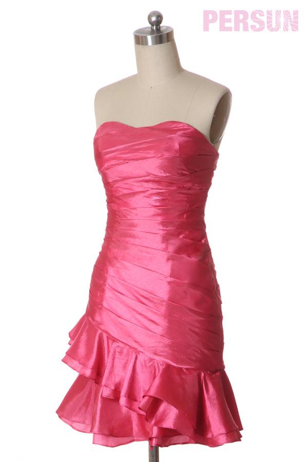 Petite robe cocktail rose fuchsia bustier drapée fourreau à jupe asymétrique