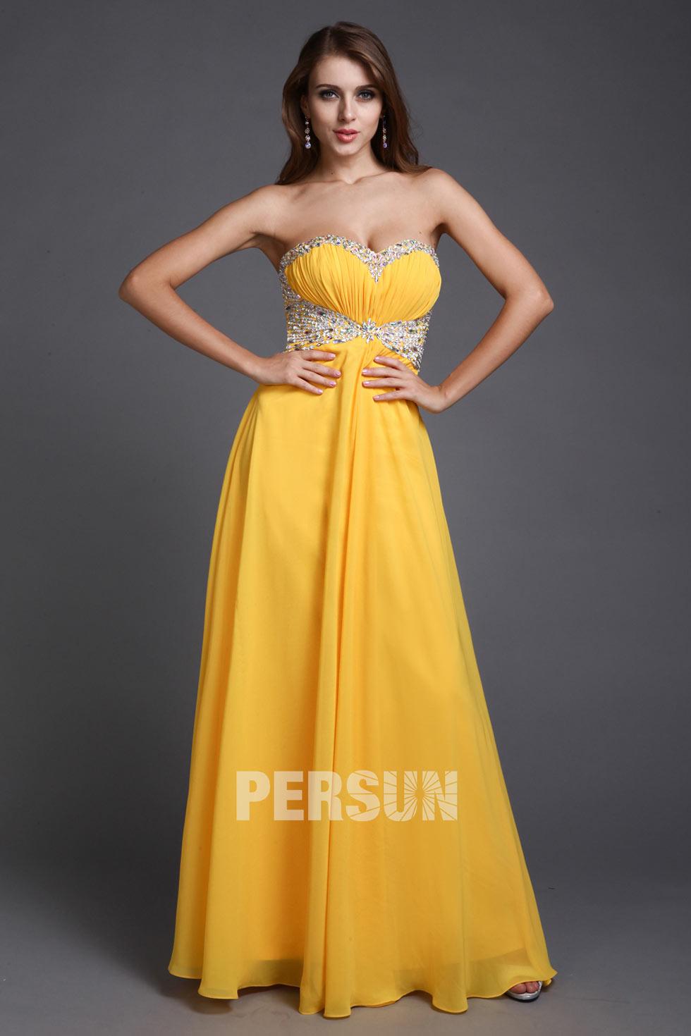robe de soirée jaune longue bustier coeur plissé embelli de strass exquis