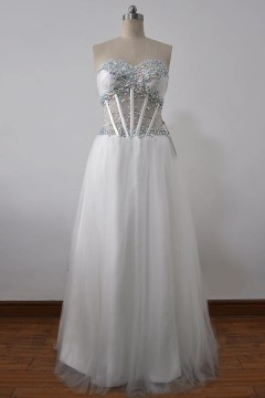 Robe sexy de bal décolleté en cœur bustier avec une corset transparent orné de strass