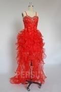 Robe rouge bustier avec bretelle spaghetti courte devant longue derrière ornée de nœud papillon et strass