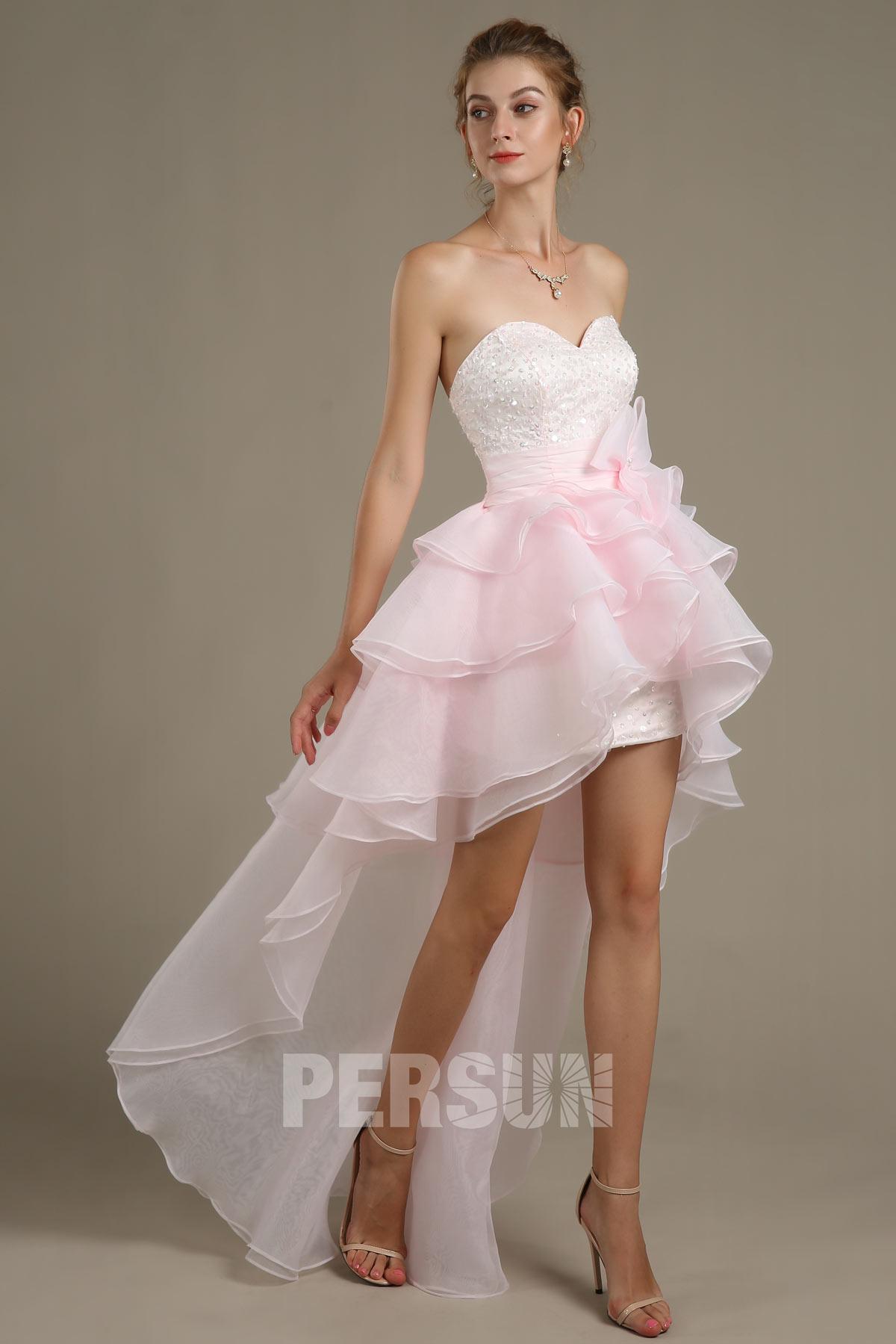 robe de cocktail courte devant longue derrière bustier coeur embelli de sequins jupe froufrou à volant