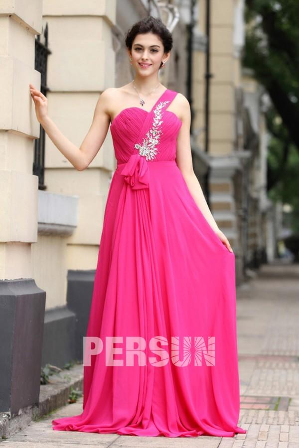 robe de soirée longue rose fuchsia asymétrique bustier plissé embelli de bijoux