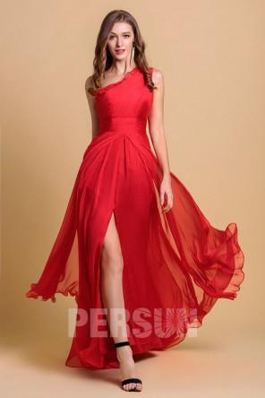 Robe rouge soirée Zhang Zilin longue à une fente latérale encolure asymétrique