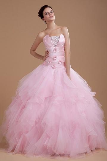 Robe princesse rose bustier structuré à jupe ample volantée