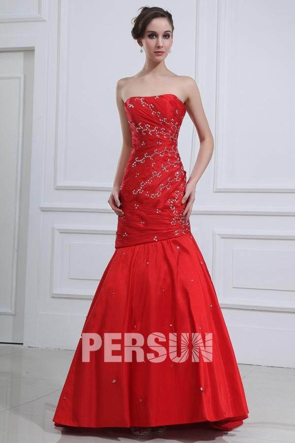 Robe de soirée rouge sirène ornée de bijoux en taffetas rouge