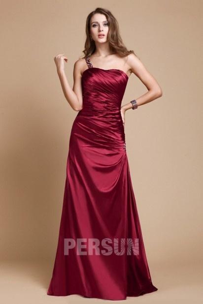 robe de soirée rouge bordeaux longue fourreau asymétrique