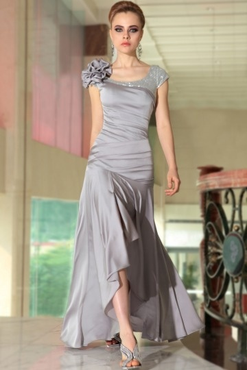 Robe cocktail argentée jupe asymétrique taille drapée