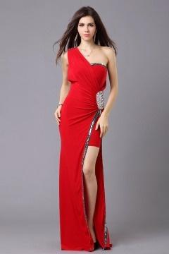 Robe de soirée longue seule épaule ornée de bijoux mousseline rouge