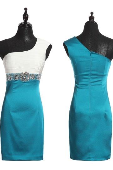 robe de cocktail mariage blanche & bleu asymétrique orné de strass