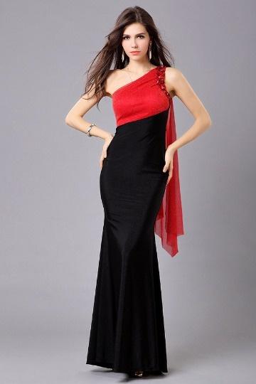 Robe de bal longue sirène contraste rouge noire ornée de bijoux