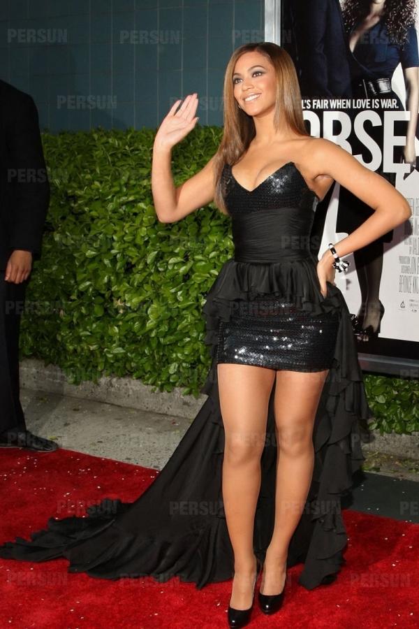 Petite robe noire Beyonce bustier en cœur à traîne balayer