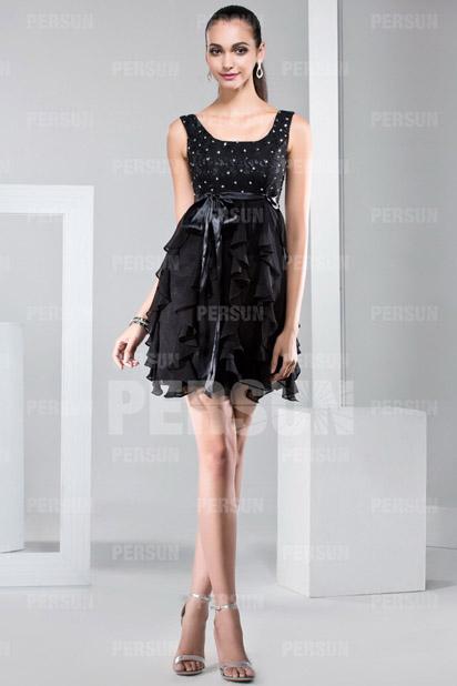 Petite robe noire à jupe froufrou personnalisable