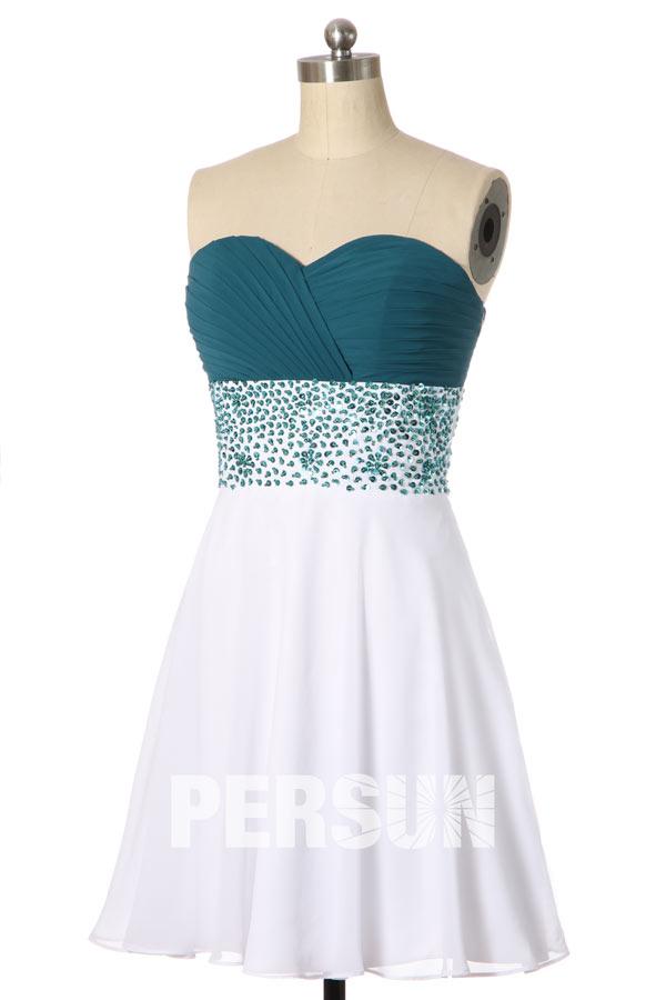 robe de soirée courte blanche et verte bustier coeur plissé orné de strass