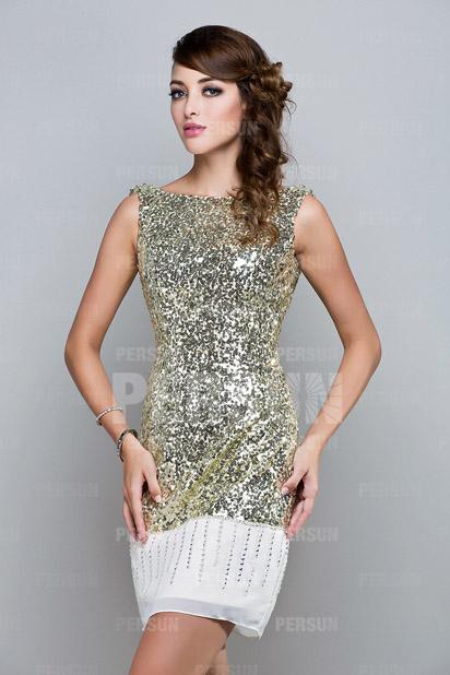 Mini robe paillette à dos ouvert coupe droite
