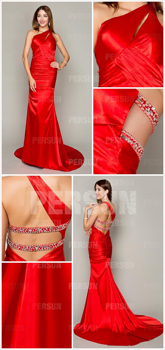 rouge robe soirée avec traîne Chapelle