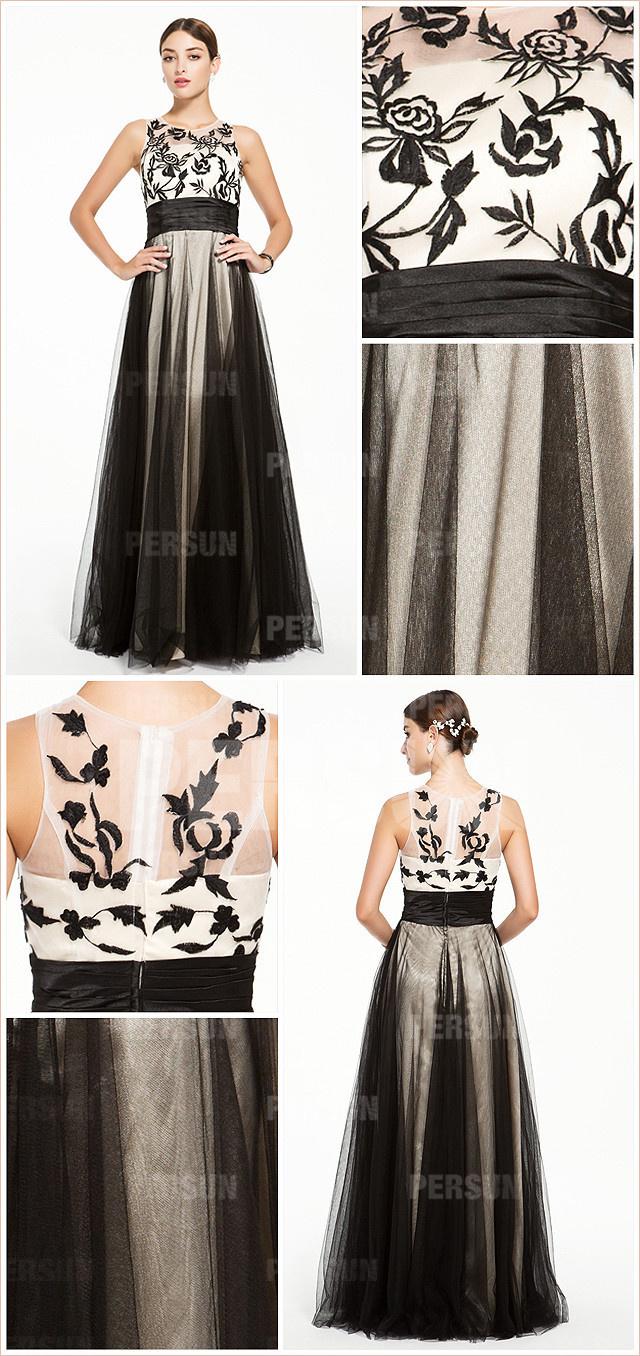 Robe vintage bicolore noire et blanche en broderies col rond en tulle