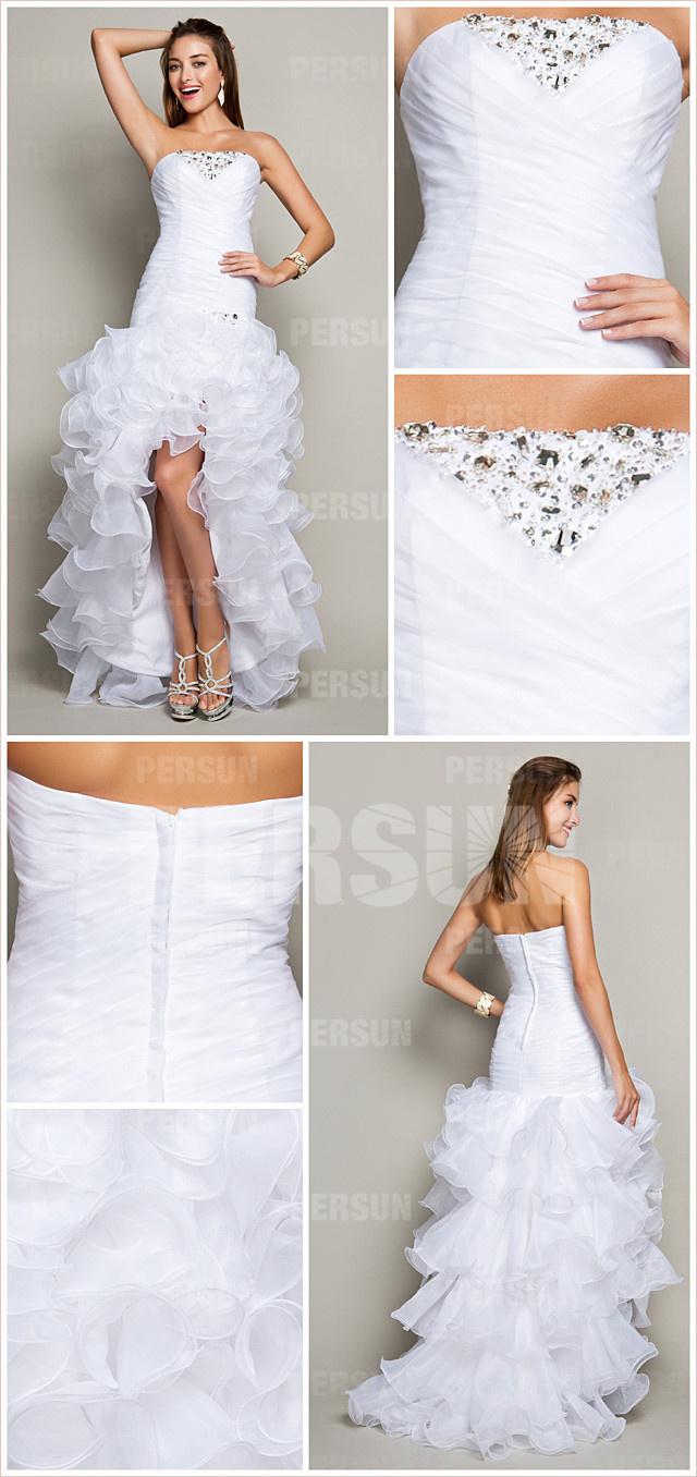 Elégante robe blanche à bustier coeur ornée de bijoux & jupe volante