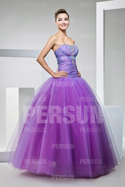 Robe de bal violette à bustier en taffetas