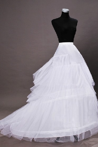 Jupon chapelle traine pour robes de mariage en nylon