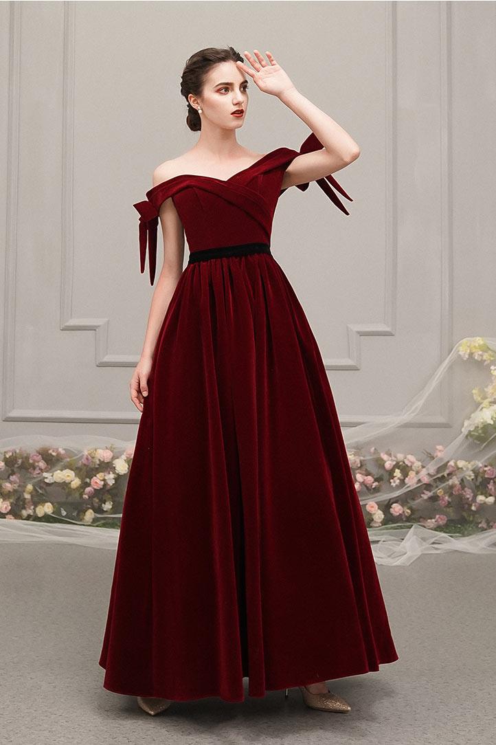 robe de soirée longue rétro velours bordeaux encolure bardot
