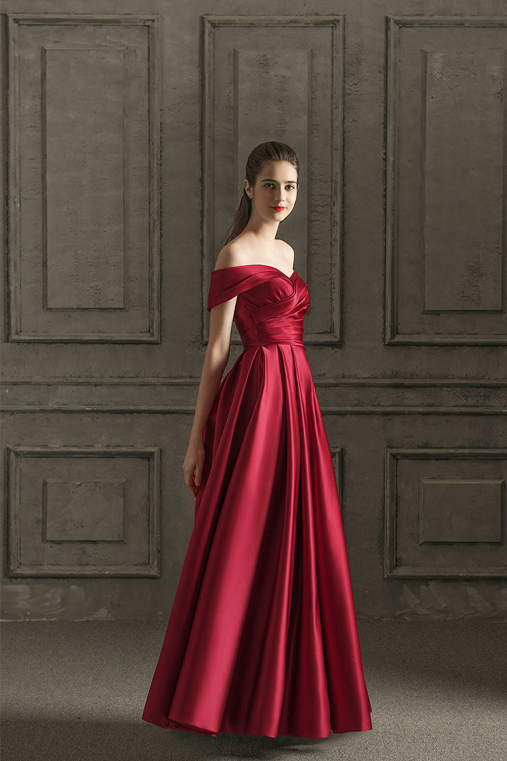 Robe de soirée chic rubis rouge épaule dénudée