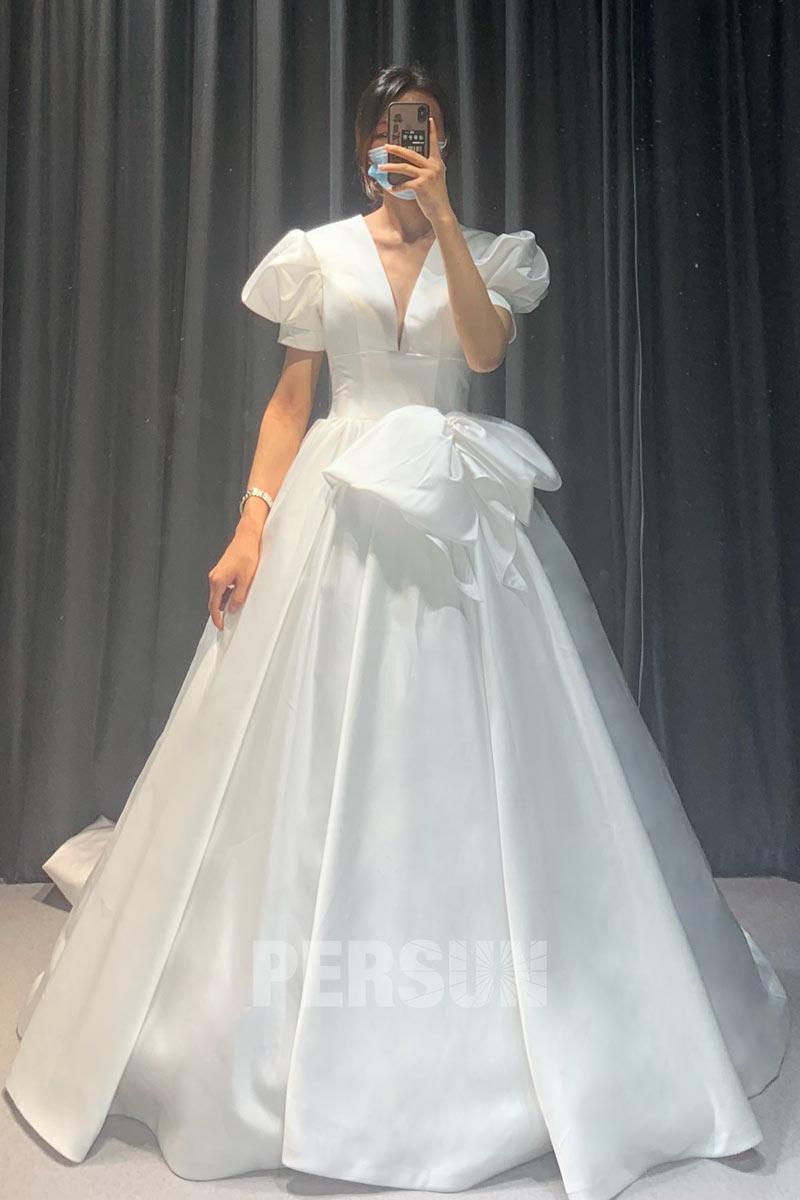 robe mariée princesse chic 2021 satin col v avec manches