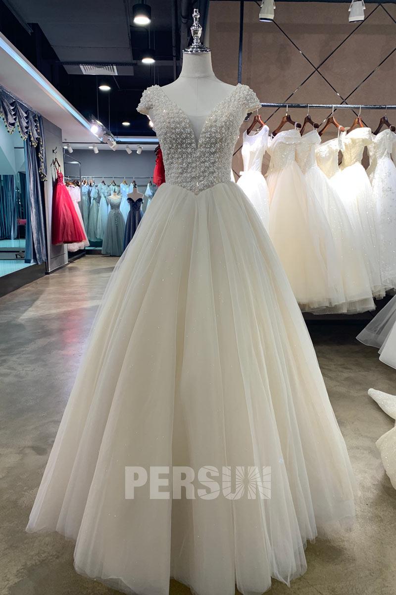 Romantique robe de mariée princesse écru à haut perlé avec mancherons
