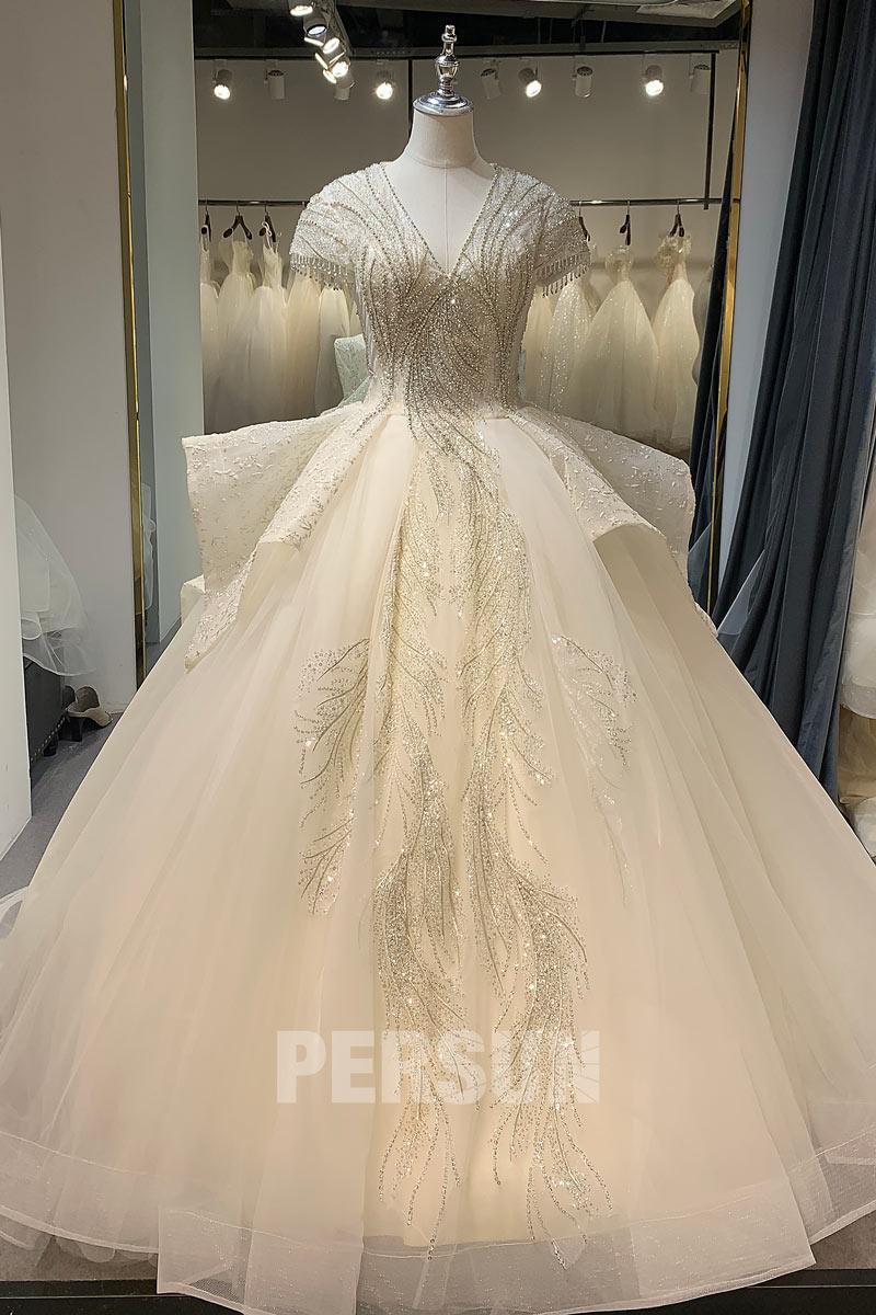 Robe de mariée princesse de luxe travaillée de bijoux scintillants traîne chapelle