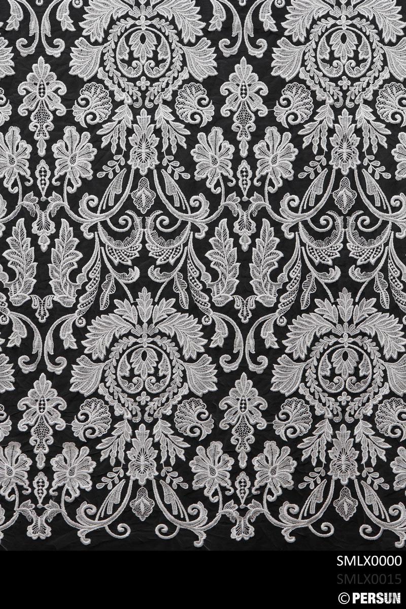 dentelle vintage symétrique