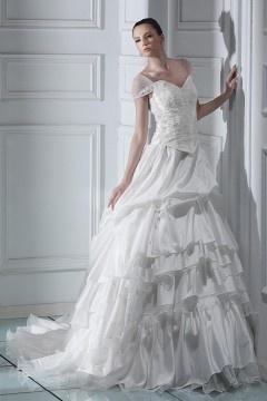Robe de mariée princesse à l'épaule nue à traîne Chapel