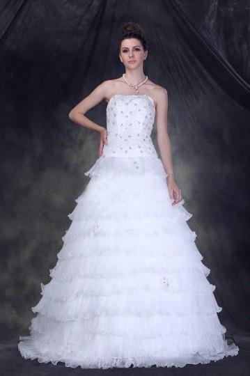 Robe de mariée princesse sans bretelle à Ligne-A à volants à traîne Chapel