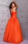 Robe de bal longue orange à bord bijouté en taffetas