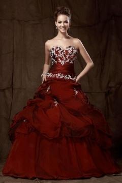 Robe de princesse pour bal et Quinceanera bustier en broderie
