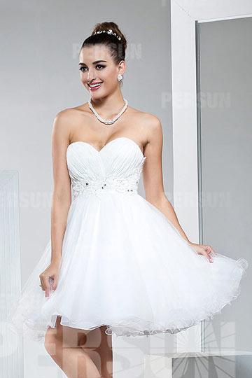 2807bc3f95de Petite robe blanche bustier coeur empire à jupe évasée - Persun.fr